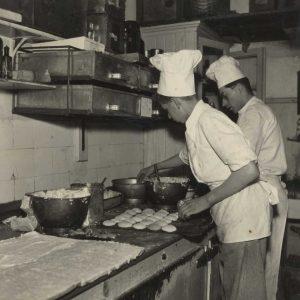 Maison Kelder, banketbakkerij, Weissenbruchstraat, jaren 50