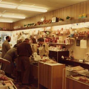 Maison Kelder, winkel banketbakkerij, Weissenbruchstraat, 1979