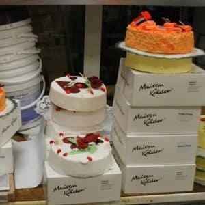 Etalagevoorbeelden van taarten Maison Kelder, Junostraat, 2011