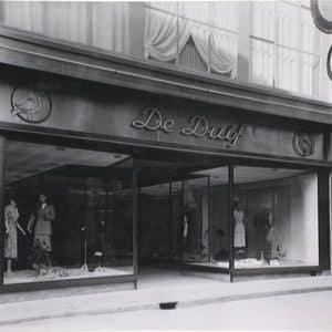 Modemagazijn De Duif, Venestraat, ca. 1930
