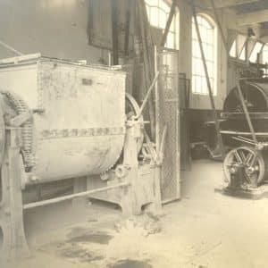 Paulussen, W., Eerste 's-Gravenhaagsche Electrische Verffabriek (1904 - 1969)