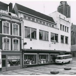 Servaas, muziekhandel, Scholstraat-Riviervismarkt, 1977