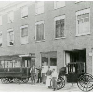 Rijtuigfabriek Van den Bergh, Nieuwe Schoolstraat nrs. 71-79)