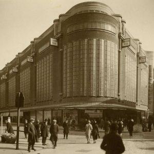 De Bijenkorf, 1928