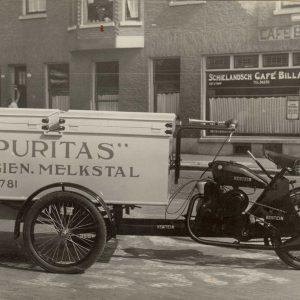 Elva, gemotoriseerde bakfiets Puritas, melkhandel, jaren 50