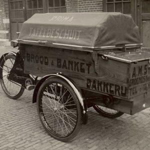 Elva bakfiets, Strik brood- en banketbakker, jaren 30