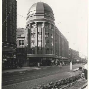 Drukkerij en kantoor van de Haagsche Courant, Grote Marktstraat, ca. 1950agsche Courant, Spui, 1981