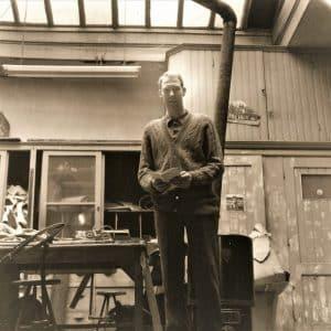 Jonas Bouman, tuig- en zadelmaker, Denneweg 66, ca. 1960