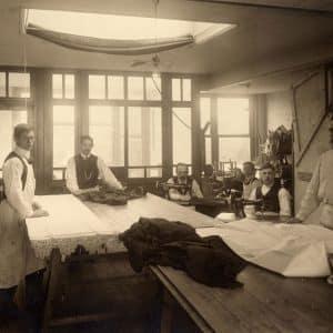 P.B. van Moorsel, Kerkplein 12, naaiatelier, 1912