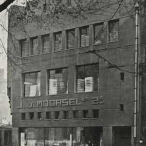 Van Moorsel, stoffenwinkel, Grote Markt 4, 1921