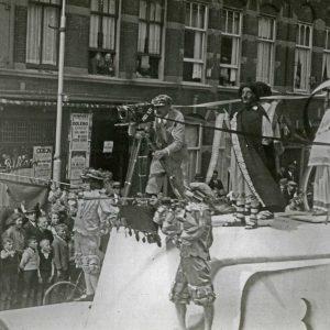 Profilti cameraploeg tijdens de Residentieweek, 1936