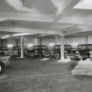 RIVA Torenstraat met auto's, Torenstraat - Geest, 1958