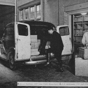 Schilte, koffie en thee, inladen bestellingen, 1943
