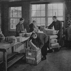 Schilte,koffie inpakken, Nieuwstraat, 1943