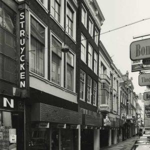 Schnitzler, bedden, Schoolstraat, 1982