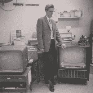 Ton Stadhouder, elektronicawinkel, Pijnboomstraat, jaren 50