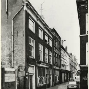 Nanning, H., apotheek (ca. 1835 - heden)