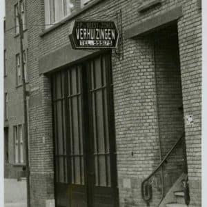 Geest en zonen, J.P. van der, verhuizingen (1926 - heden)