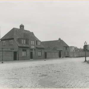's Gravenhaagsche Bouwmaterialenhandel 'De Unie' en Brandstoffenhandel Lens & Aandewiel, ca. 1920