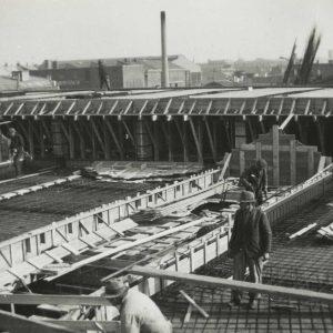 RAC-werkplaats in aanbouw, 1e van der Kunstraat, ca. 1938.