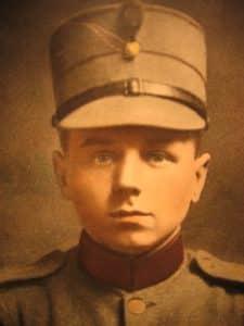 J.M.M. van den Broek als militair.