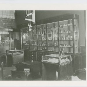 Steltma, juwelier, interieur Noordeinde 42a, ontwerp Hildo Krop, 1921