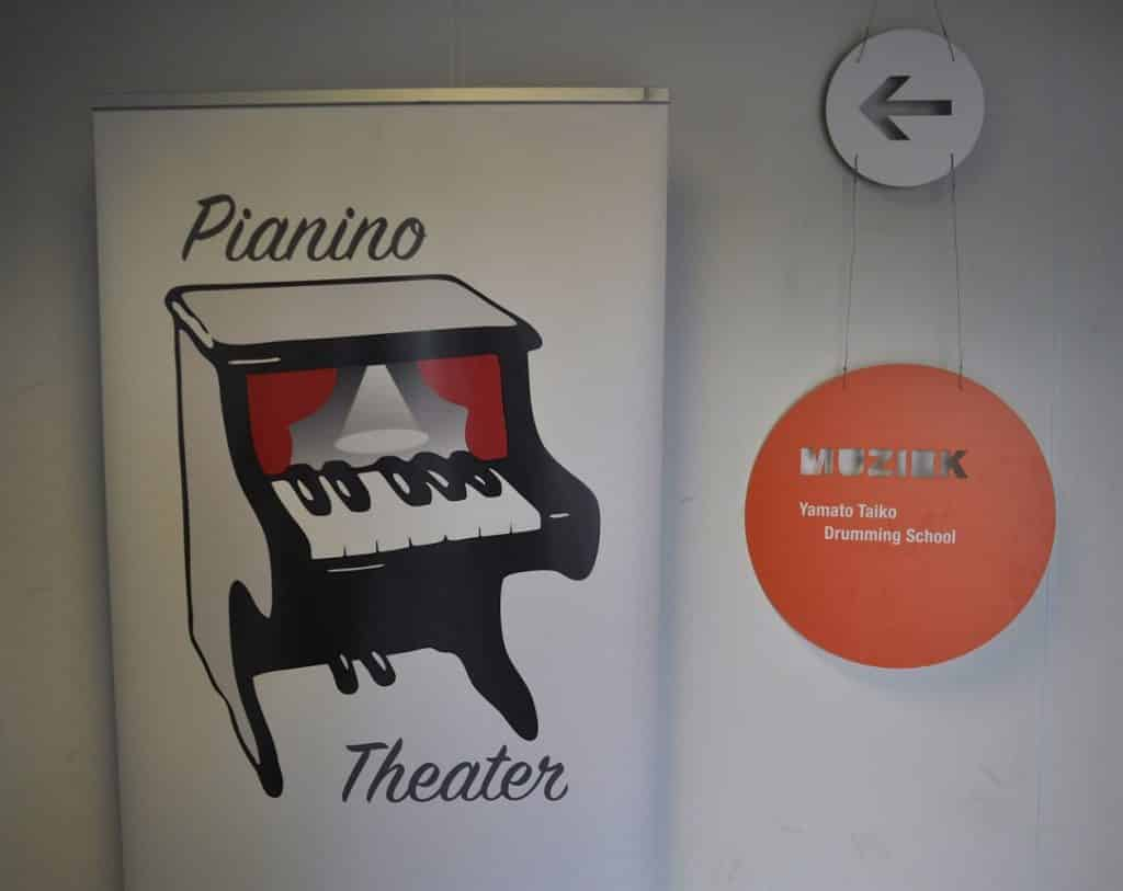 De presentatie vond plaats in het Pianino Theater in Mooof