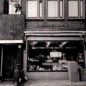 Stadhouder, Elektronicawinkel, Thomsonplein 15, ca. 1975